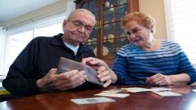 أمريكي يعثر على حافظة نقوده بعد 53 عاما من فقدها في قاع الدنيا