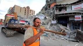 وفد حكومي ورجال أعمال فلسطينيين يناقشون إعمار غزة بالقاهرة